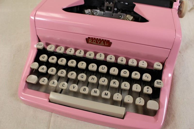 royal aristocrates pink typewriter