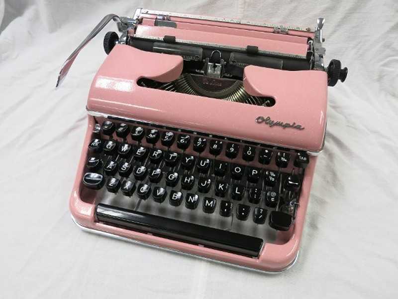 Olympia SM3 Typewriter In Pink