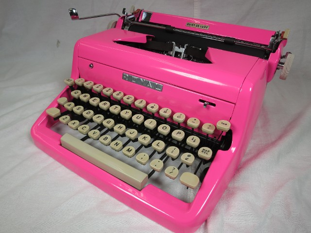 Royal Quiet De Luxe In Hot Pink