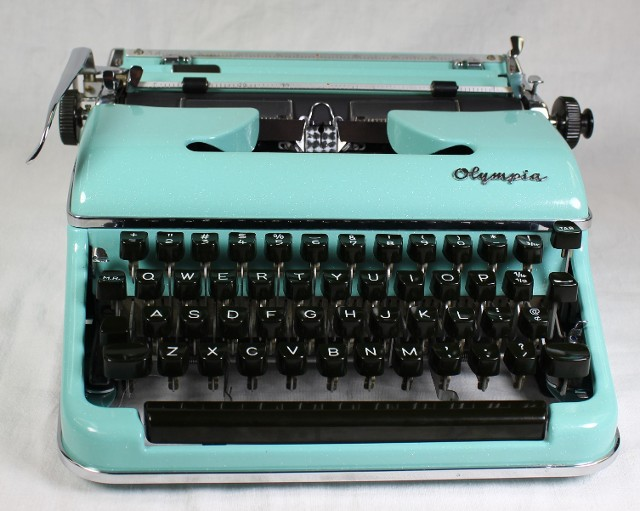 Olympia SM3 Typewriter In Teal with Sparkles