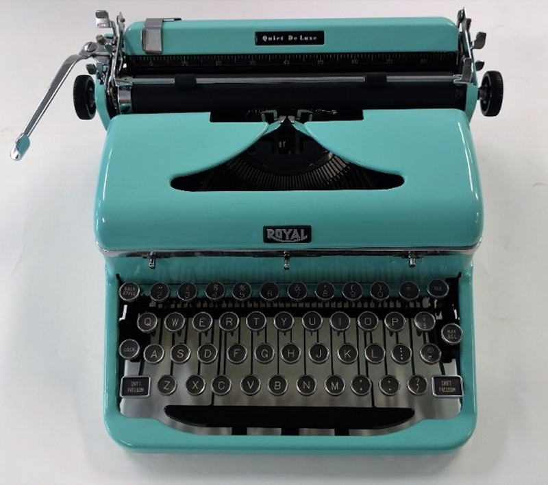 Royal Quiet De Luxe 1940's Teal