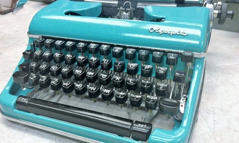 Olympia SM4 Typewriter In Teal Blue