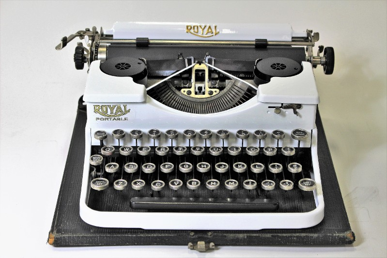 White Royal Typewriter
