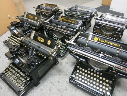 Underwood Manual Typewriter