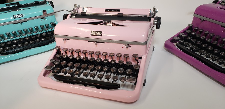 Royal Quiet Deluxe 1940's Light Pink # 54